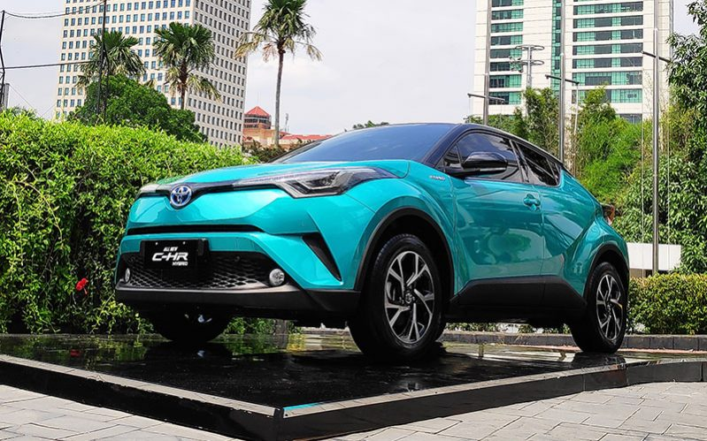 Penjualan Mobil Hybrid Toyota 2019 Naik Tajam, C-HR Terlaris