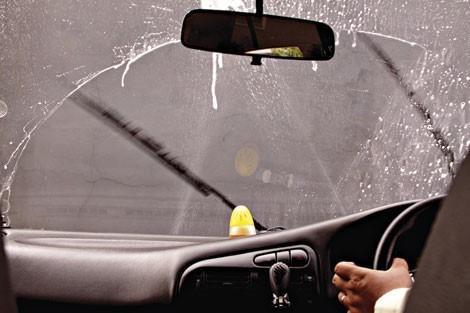 Wajib Periksa Wiper Mobil Toyota Anda Saat Musim Hujan Tiba